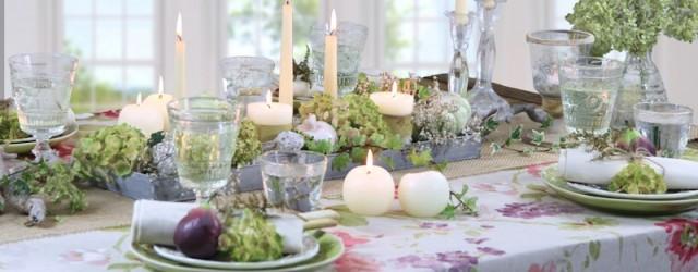 festlich gedeckter Tisch Herbst