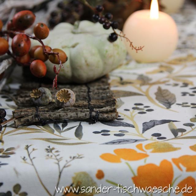 schön gedeckter Tisch Herbst